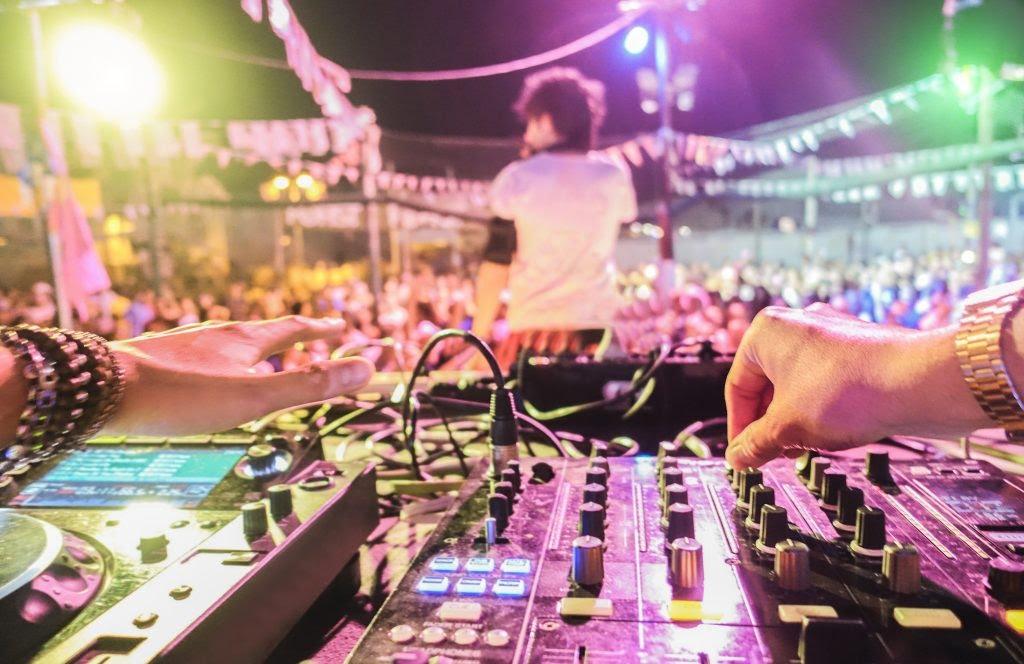 Tours : la Fête de la musique se fera… assis, sur 3 «sites extérieurs fermés», avec réservation conseillée