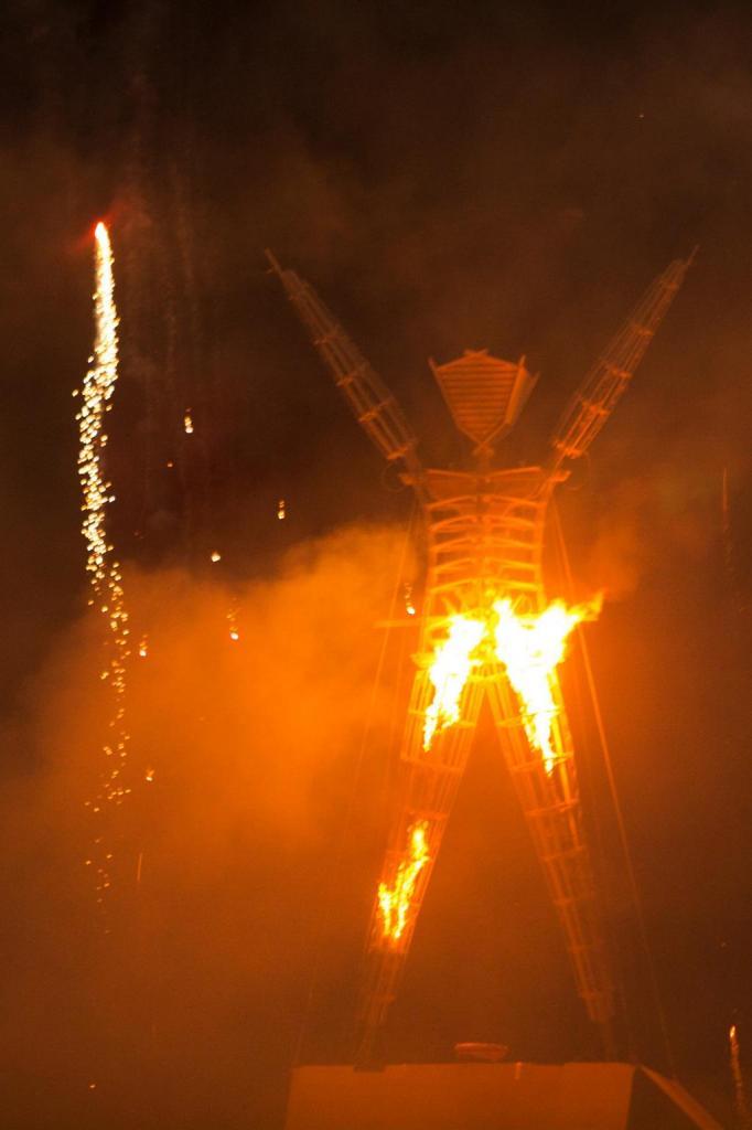 L'événement se termine de la même façon depuis trente ans. Le Burning man brûle.