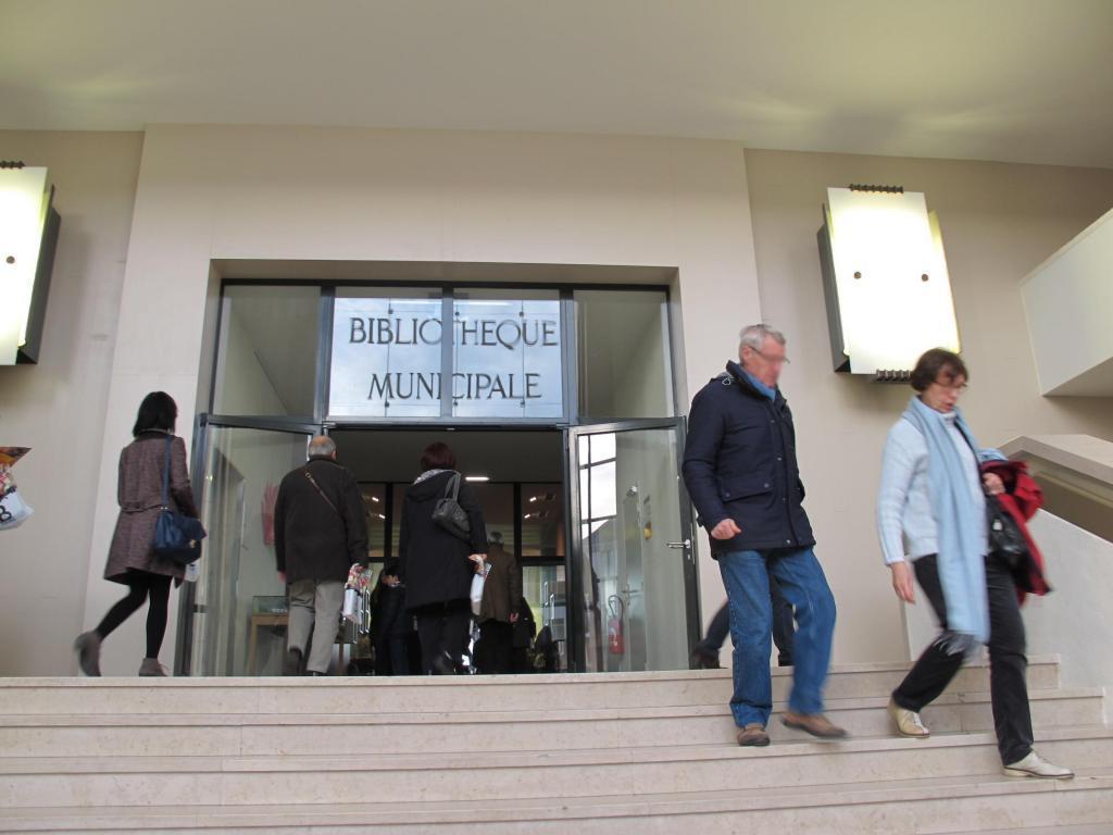 Une pétition lancée le 9 janvier propose d'ouvrir les bibliothèques le soir, le dimanche et la nuit...