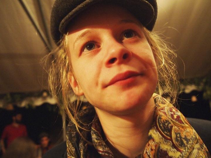 Cette Parthenaisienne, apprentie pâtissière, habite Bruxelles depuis un an et demi. Amoureuse de cette ville multiculturelle, elle n'envisage pas de la quitter.