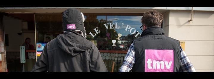 Les deux journalistes de tmv s'installent au bar le Vel'pot du 19 au 22 novembre