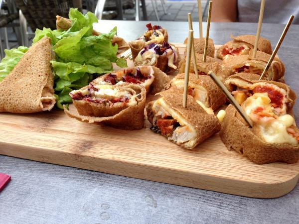 Le restaurant La Cour propose plusieurs planches-apéro différentes.