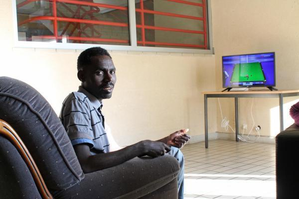Certains, comme Saeed, regardent de temps en temps la télé.