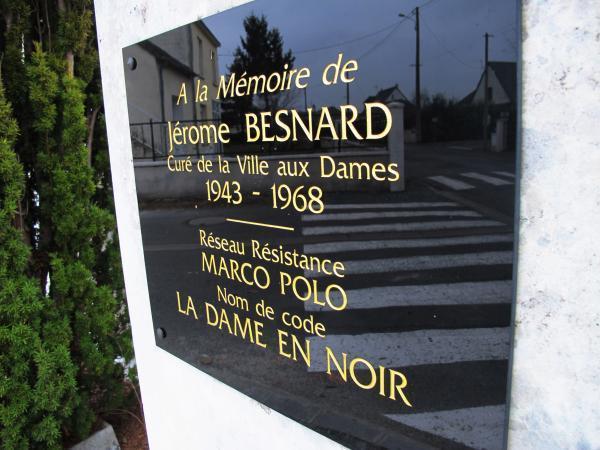La seule voie de la commune dédiée à un homme. Jérôme Besnard était un prêtre et résistant tourangeau.