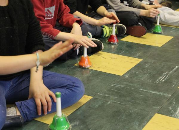 À l'école, le groupe des cloches s'en donne à coeur joie