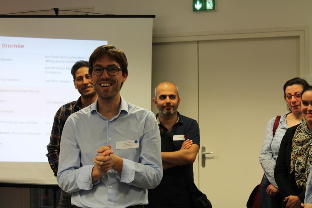 Le coach David Pinto propose différentes activités pour favoriser les rencontres entre salariés et réfugiés. (Photo NP)